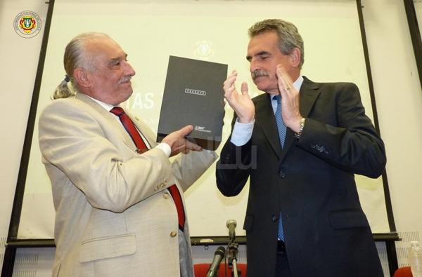 El Ministro de Defensa Agustín Rossi entregó a la UNLu las actas de la dictadura